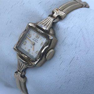 Vintage Watch Elgin Deluxe Women Watch Hand Windin